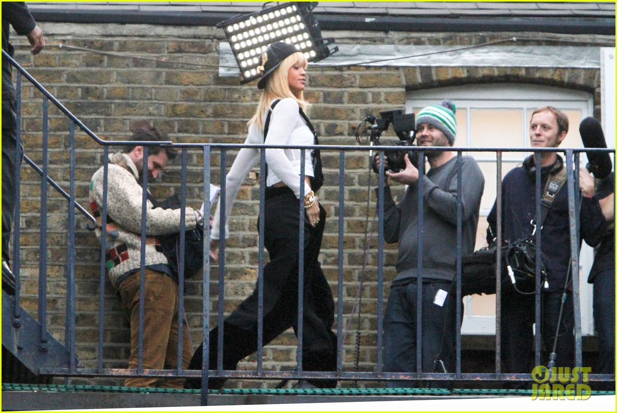 rihanna filming studio london 022632566