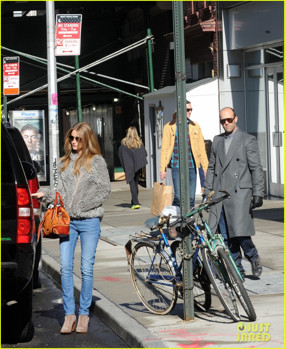 Best Apartment Hunting Websites: Rosie Huntington-Whiteley: Apartment Hunting In Soho
