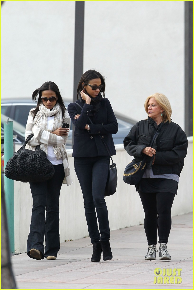 zoe saldana movies bradly coopers mom 08
