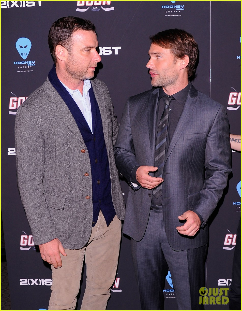 liev schreiber seann william scott goon new york premiere 07