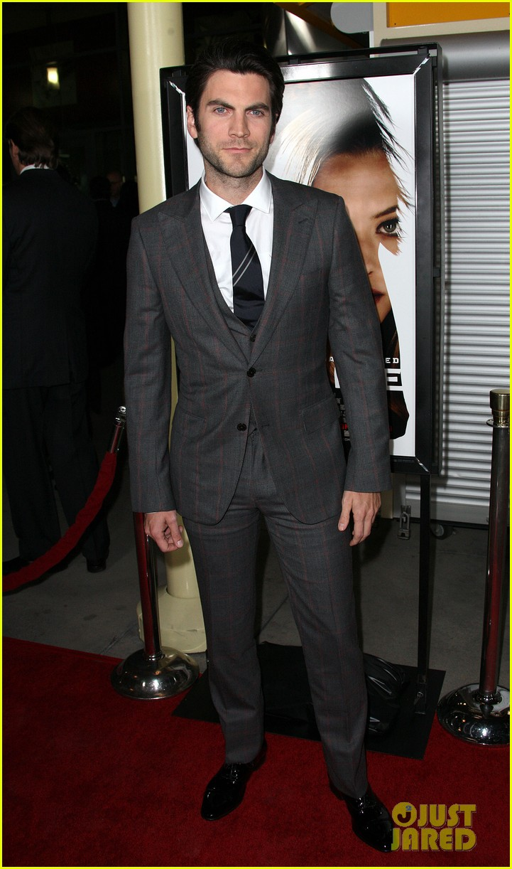 amanda seyfried wes bentley gone premiere 08