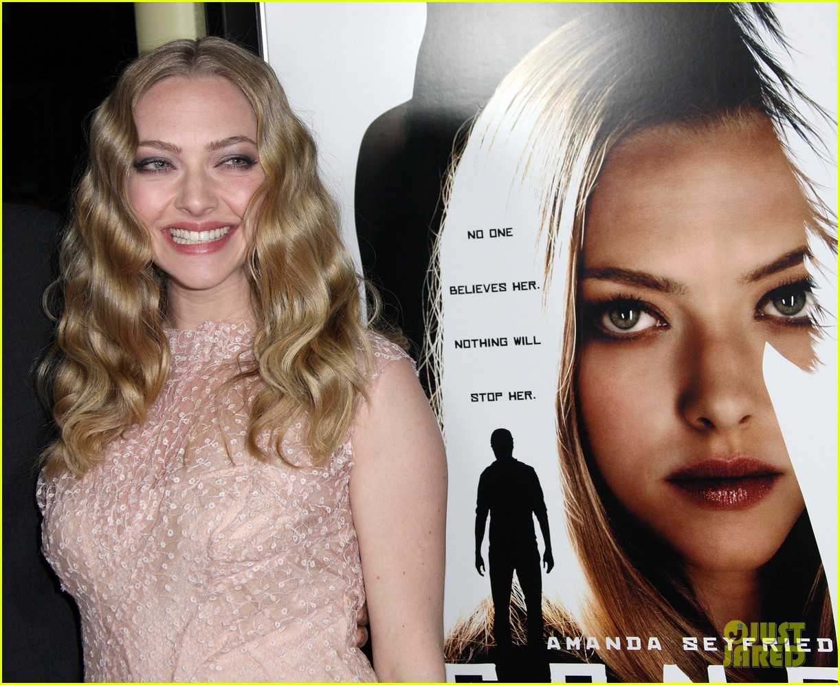 amanda seyfried wes bentley gone premiere 16