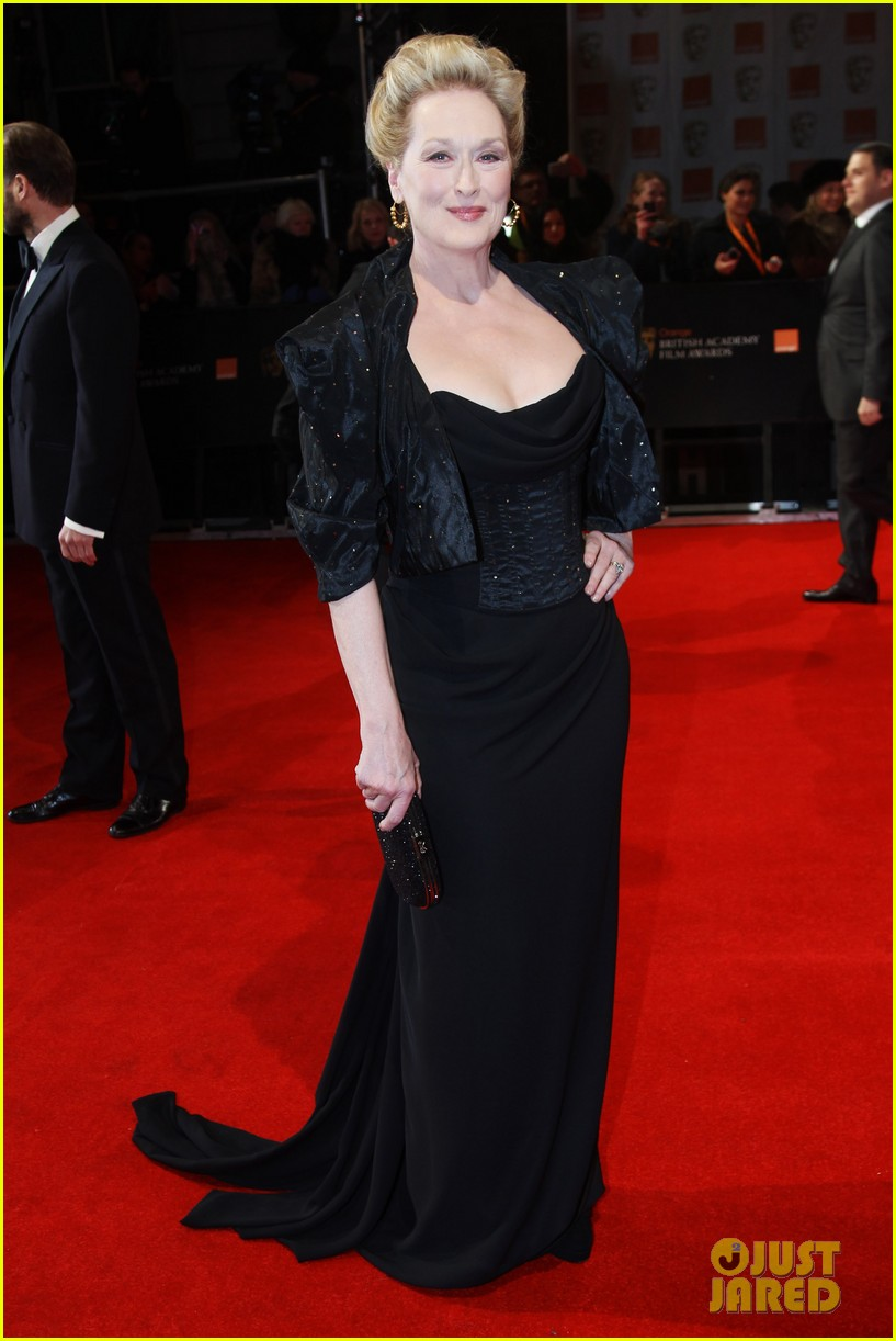 meryl streep 2012 baftas red carpet 01