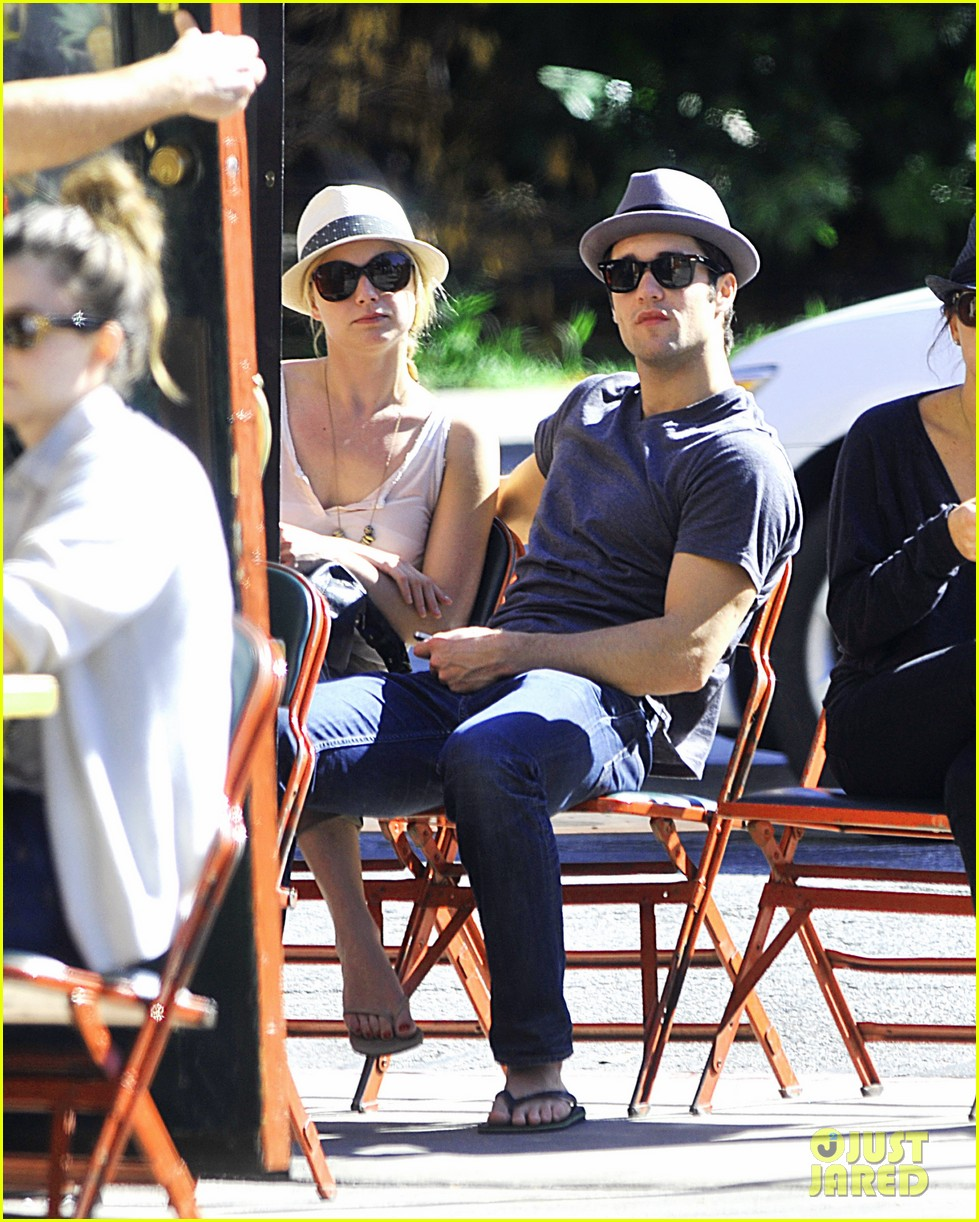 emily van camp josh bowman out together 01
