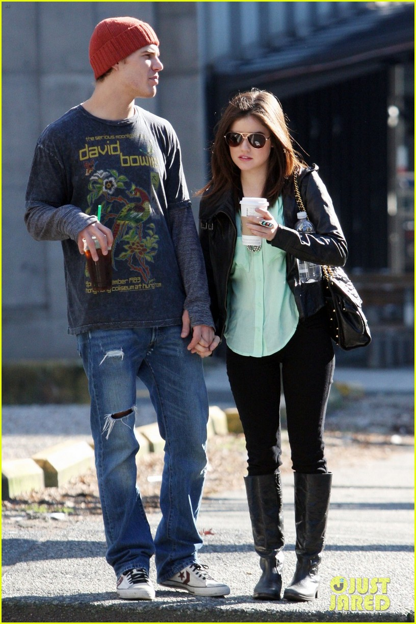 chris zylka lucy hale holding hands 05