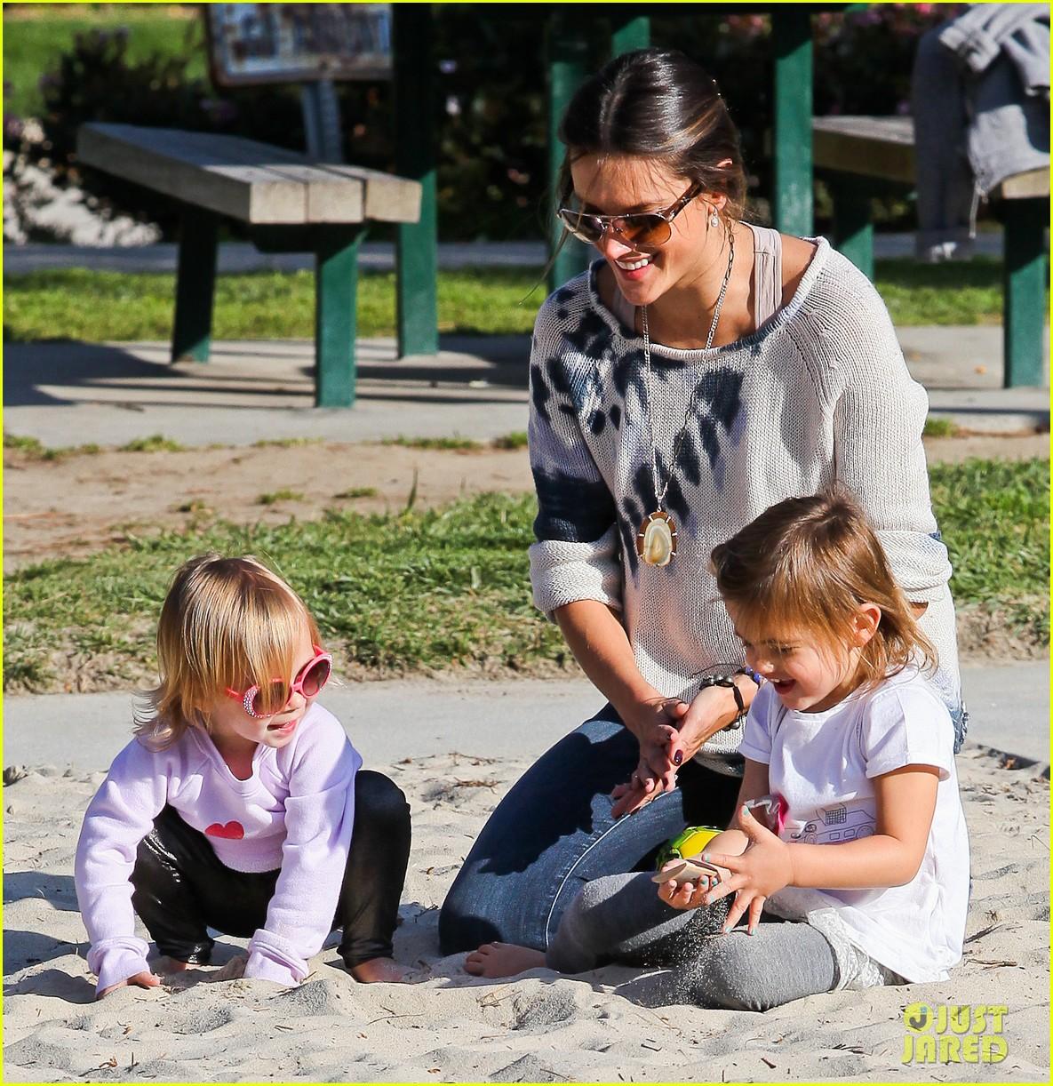 alessandra ambrosio anja park playtime 032635501