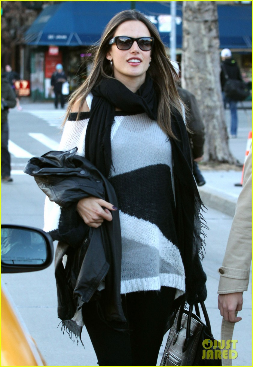 alessandra ambrosio pitti lunch 102635839