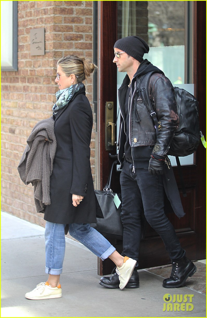 jennifer aniston justin theroux hotel 03