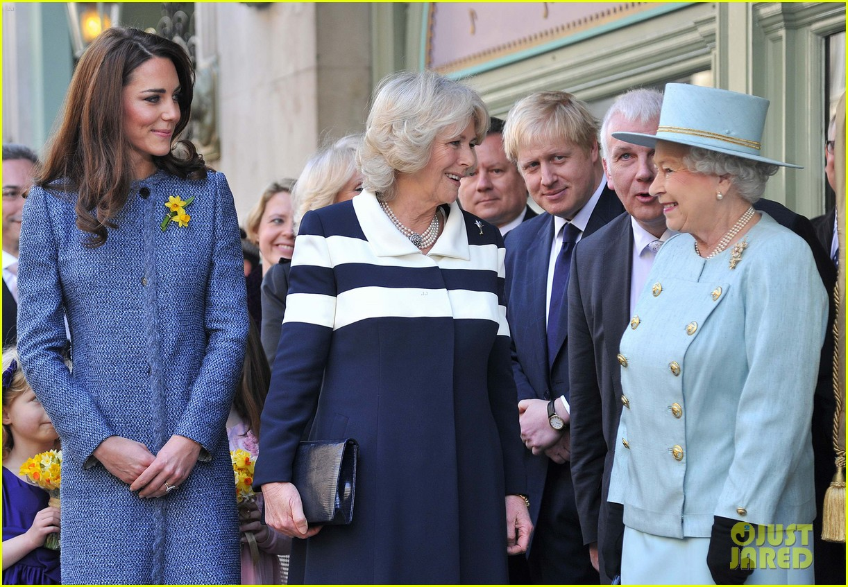 duchess kate fortnum mason store 12