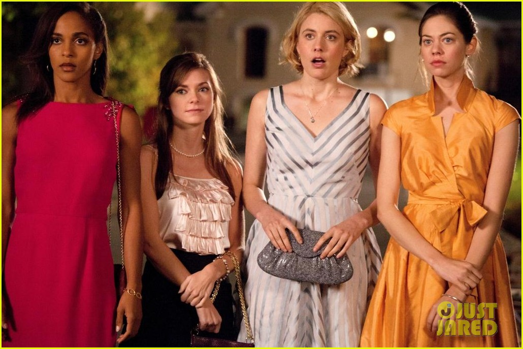 greta gerwig analeigh tipton town country 03