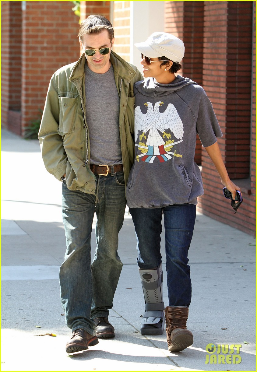 halle berry olivier martinez doctor appointment 01