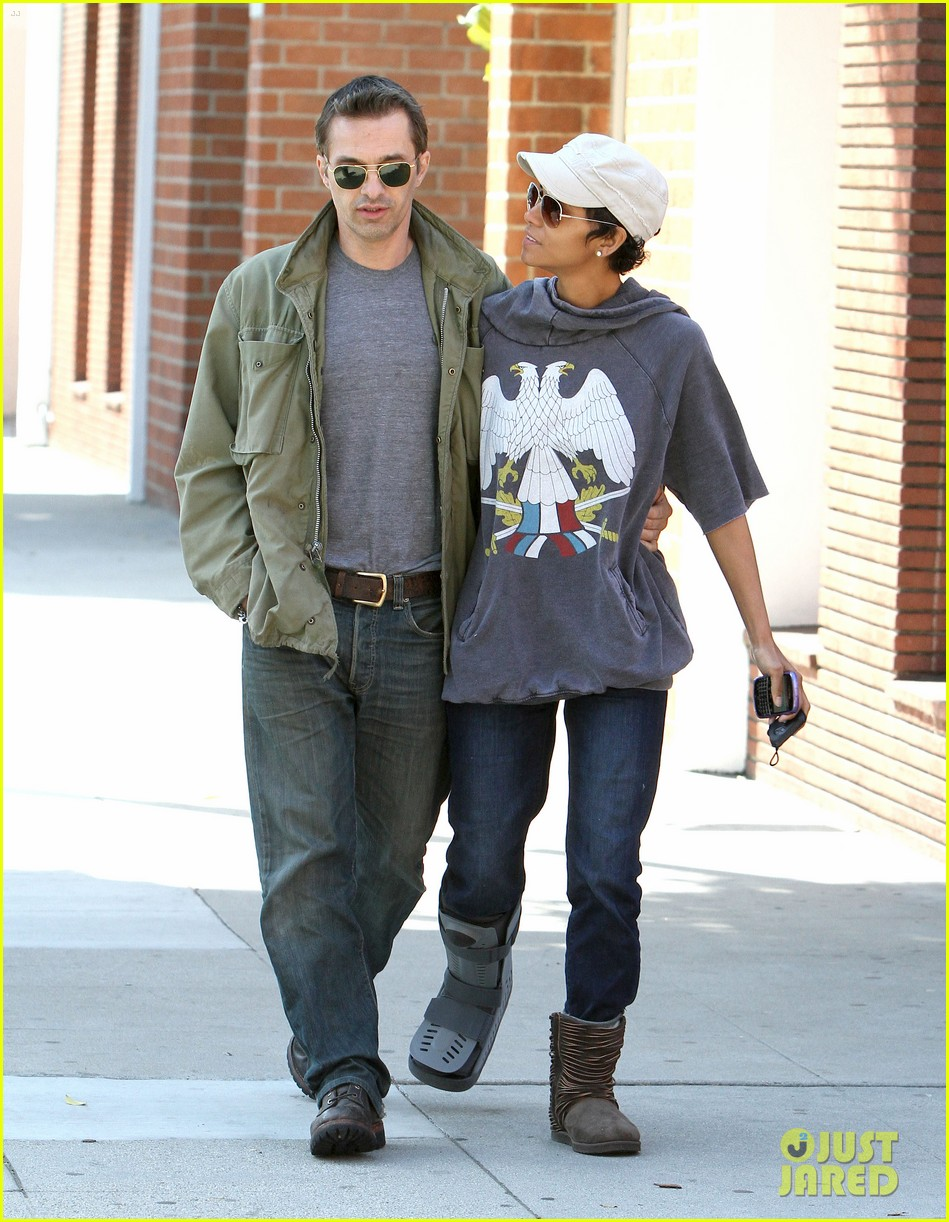 halle berry olivier martinez doctor appointment 05