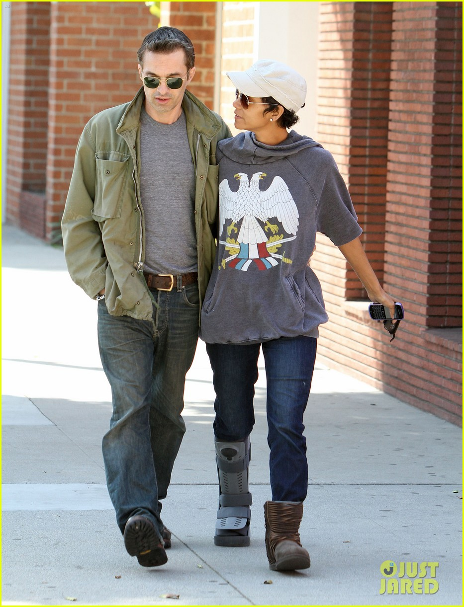 halle berry olivier martinez doctor appointment 09