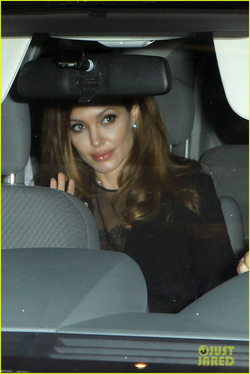 angelina jolie makes it to new orleans 012637805