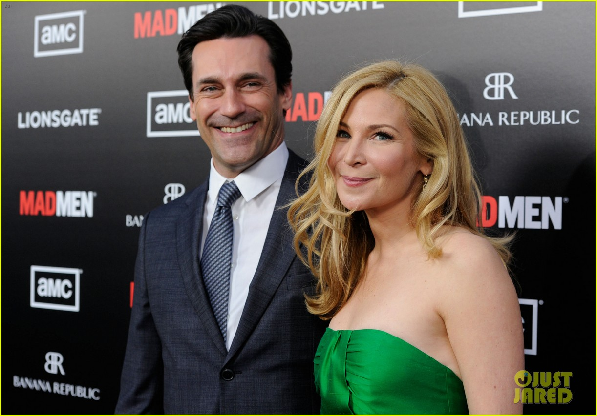 january jones jon hamm mad men premiere 022639059