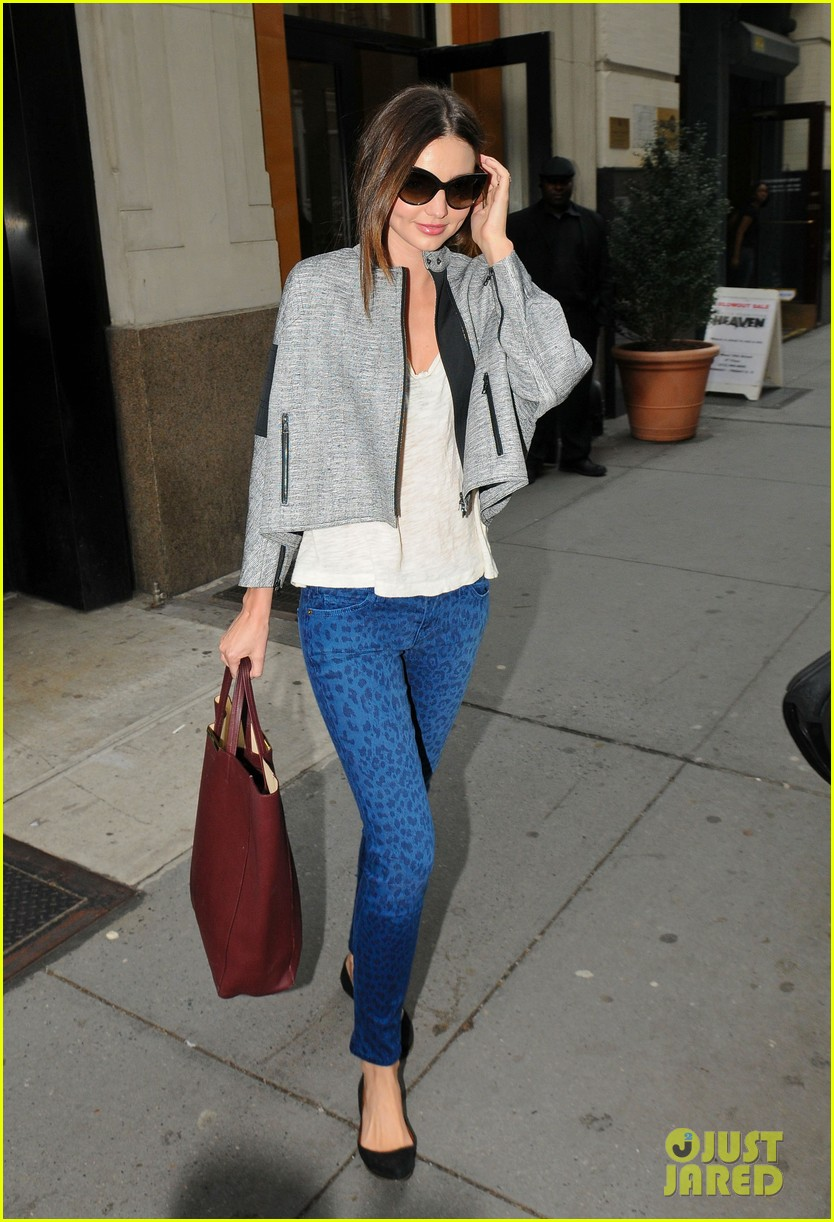 miranda kerr downtown office building 03