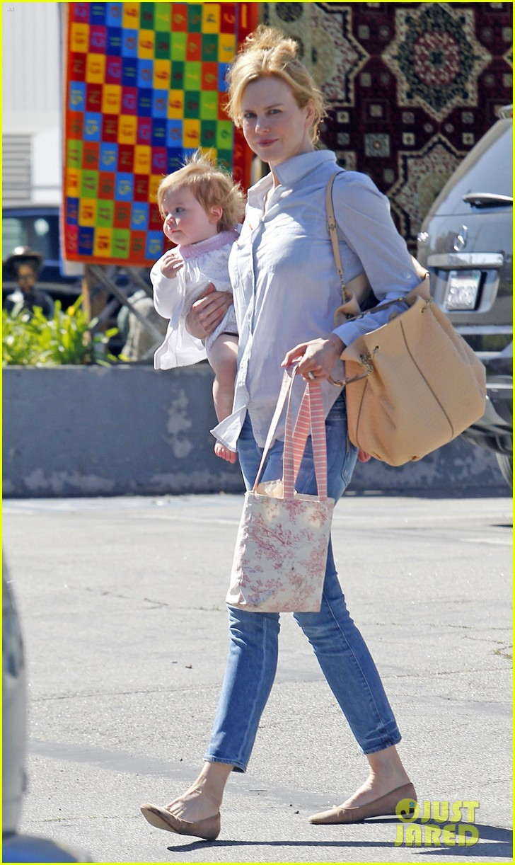 nicole kidman faith kids gym 01