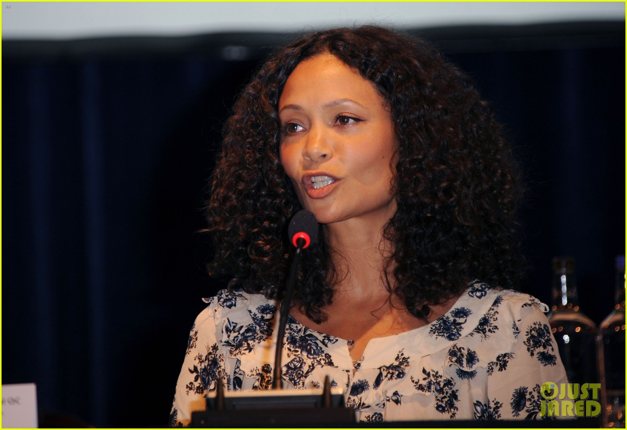 Full Sized Photo of jude law thandie newton domestic ... Jude Law
