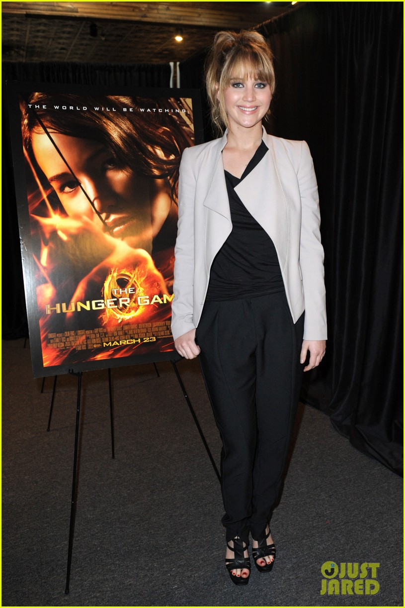 jennifer lawrence broward mall hunger games tour 09