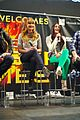 jennifer lawrence wraps the hunger games mall tour 07