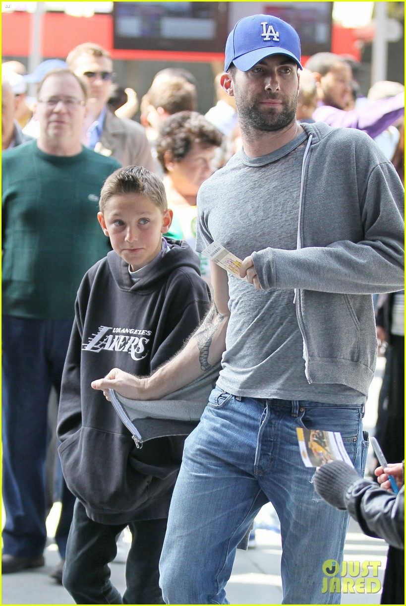 adam levine tom brady laker bros 13