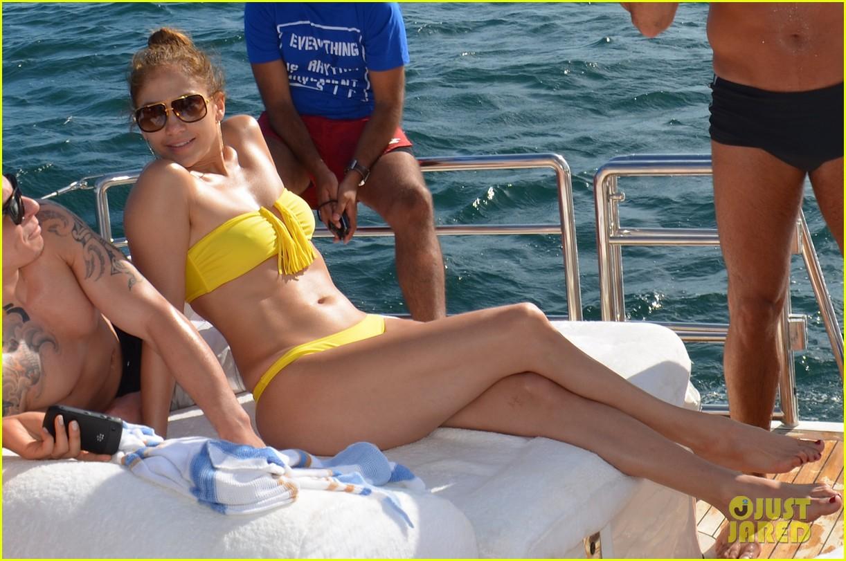 jennifer lopez casper smart yacht vacation 012636617