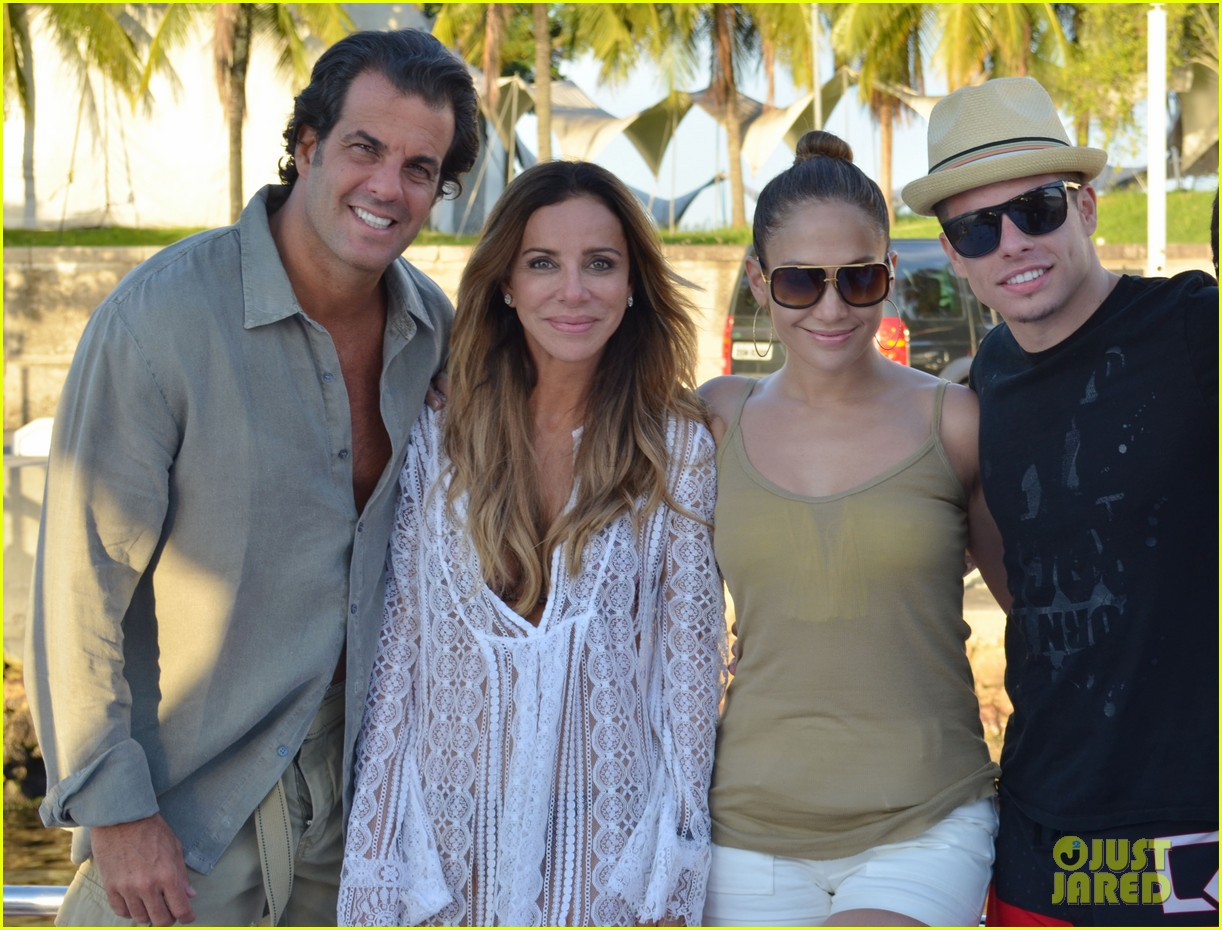 jennifer lopez casper smart yacht vacation 06