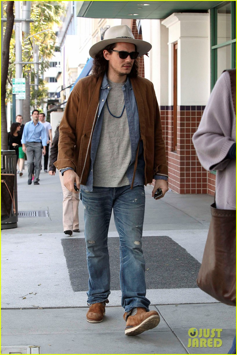 john mayer beverly hills lunch 06