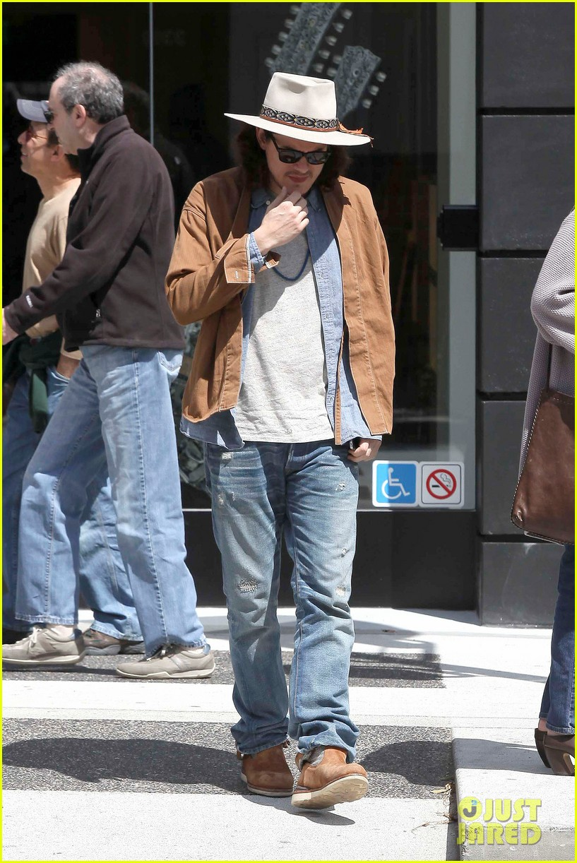 john mayer beverly hills lunch 08