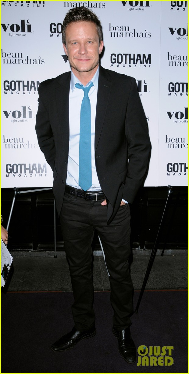 debra messing gotham cover party 06