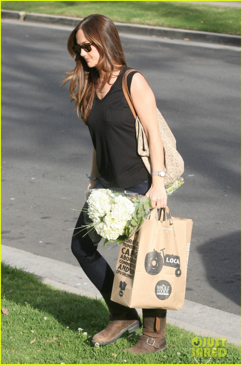 minka kelly whole foods 042636975