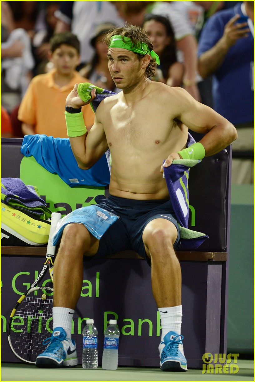 rafael nadal shirtless at the sony ericsson open 06