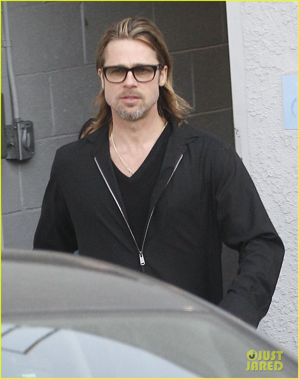 brad pitt maddox visit guitar center 04