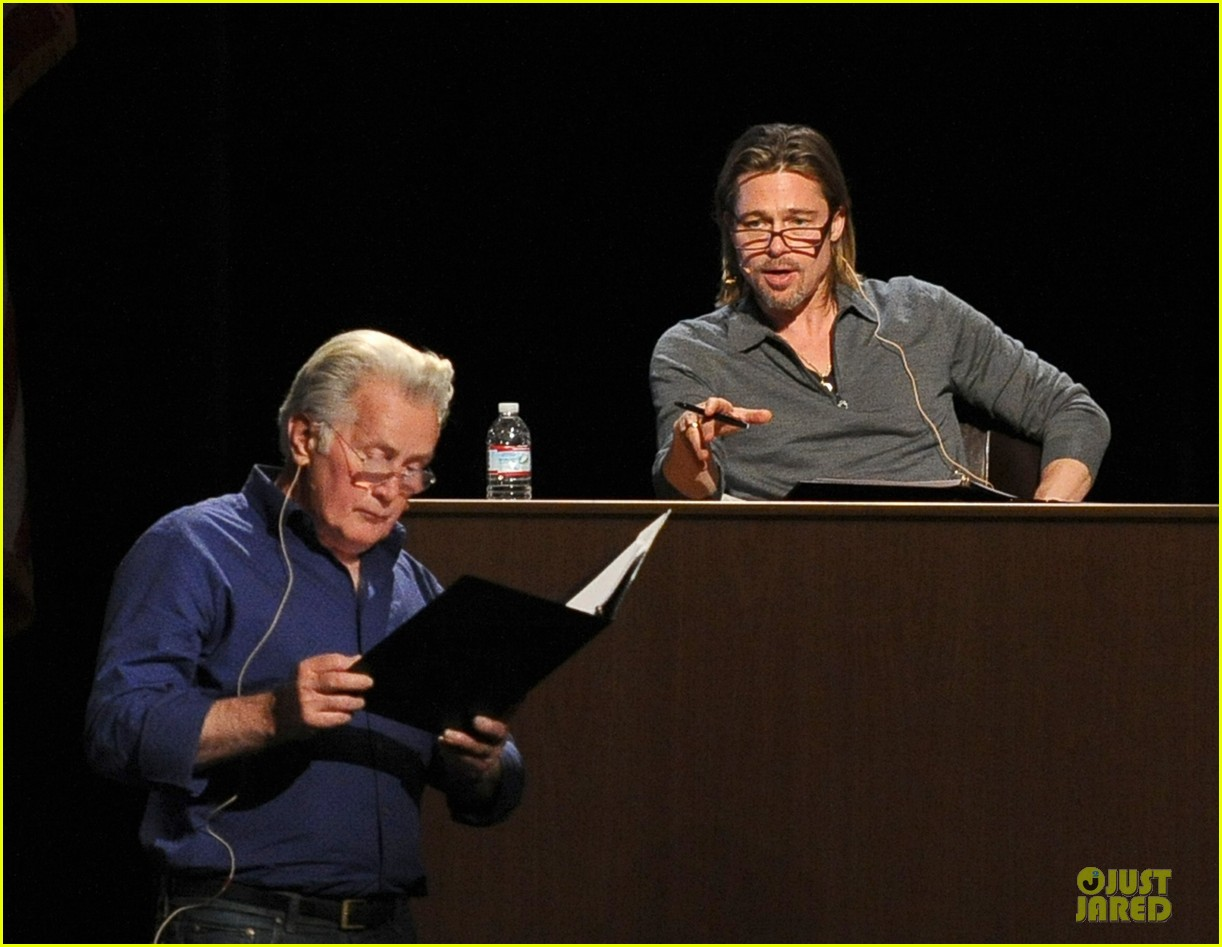 brad pitt 8 live stream rehearsal pics 01