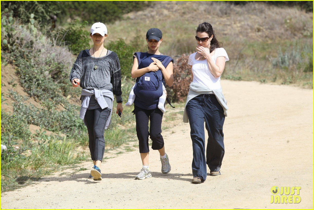 natalie portman hikes aleph 27