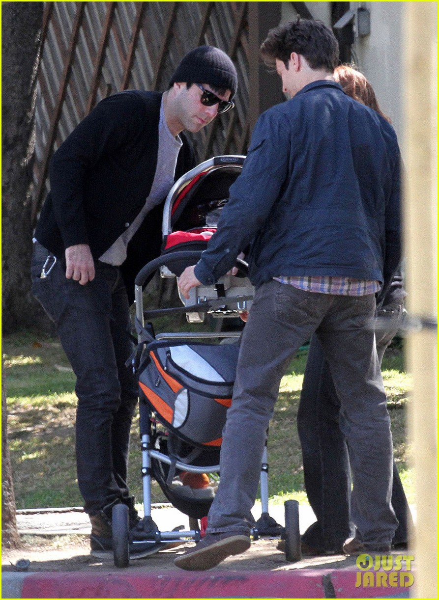 zachary quinto baby silverlake 06