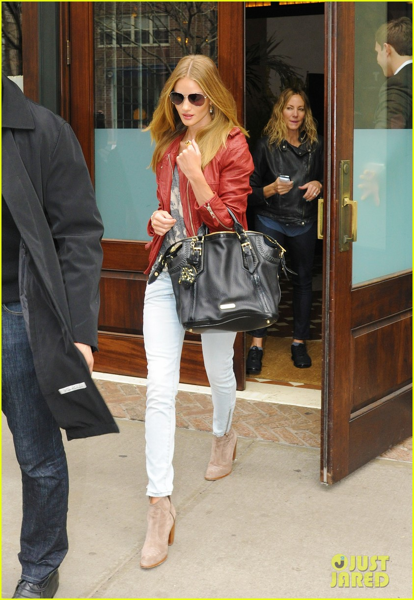 rhw leaving hotel 01