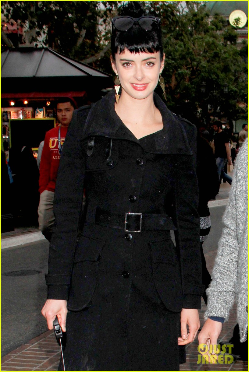 krysten ritter brian geraghty shopping at the grove 02