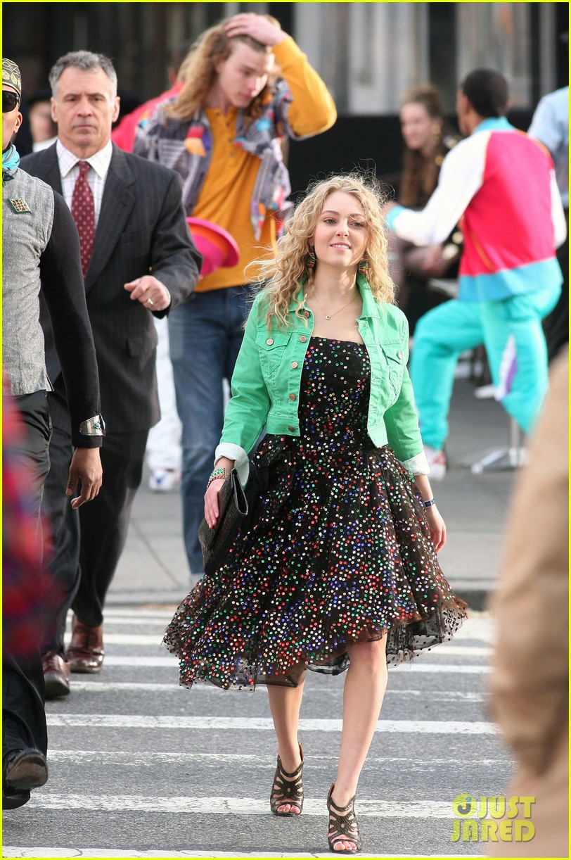 annasophia robb the carrie diaries 80s cutie 012643404