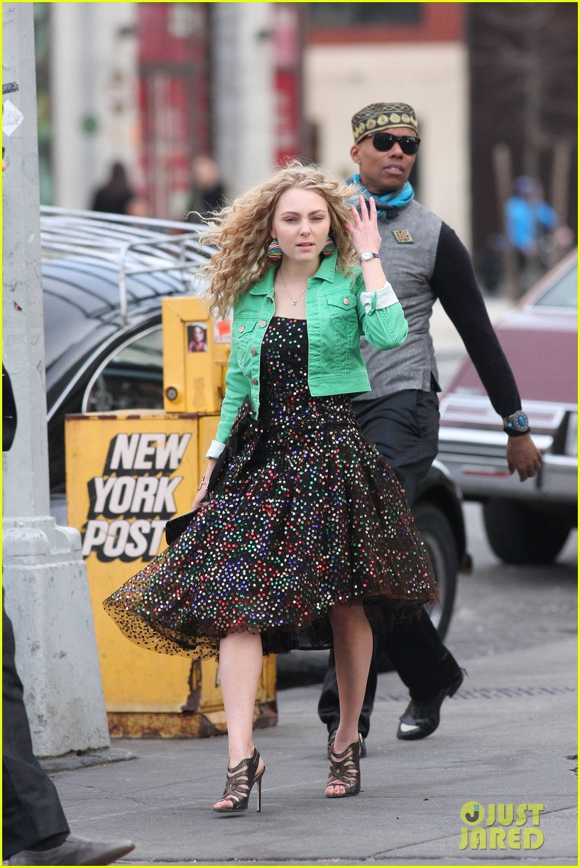 annasophia robb the carrie diaries 80s cutie 06