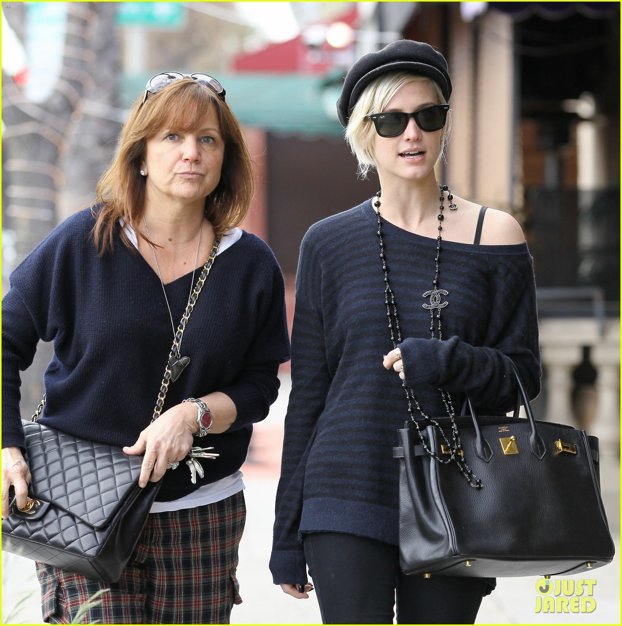 ashlee simpson lunch mom tina 12