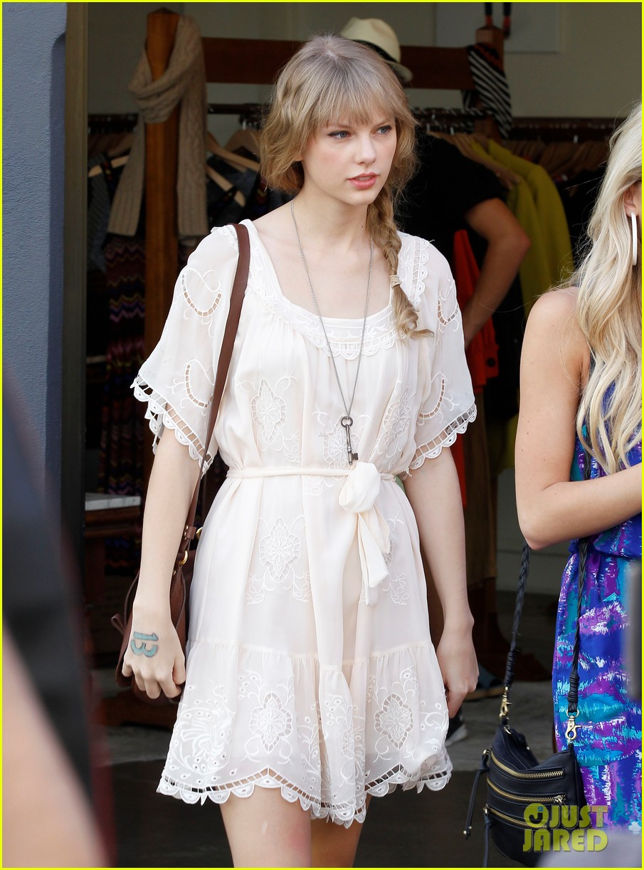 taylor swift brunswick st 032638525