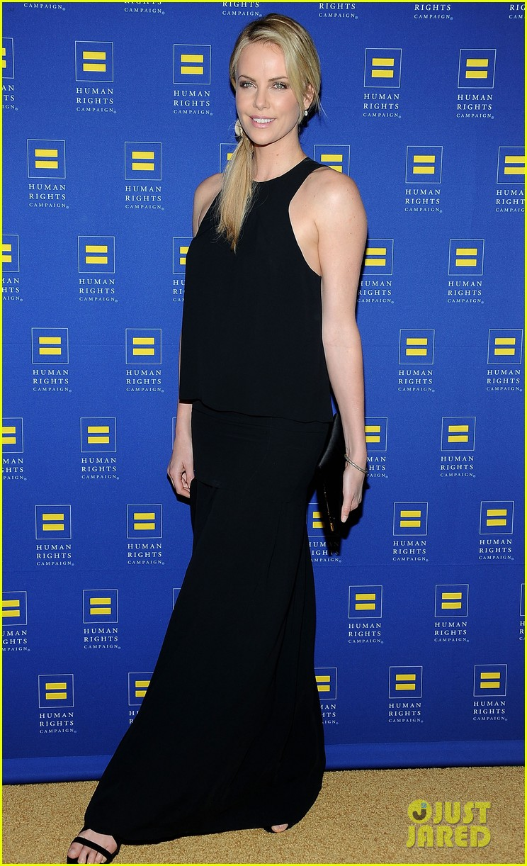 charlize theron hrc los angeles gala 13