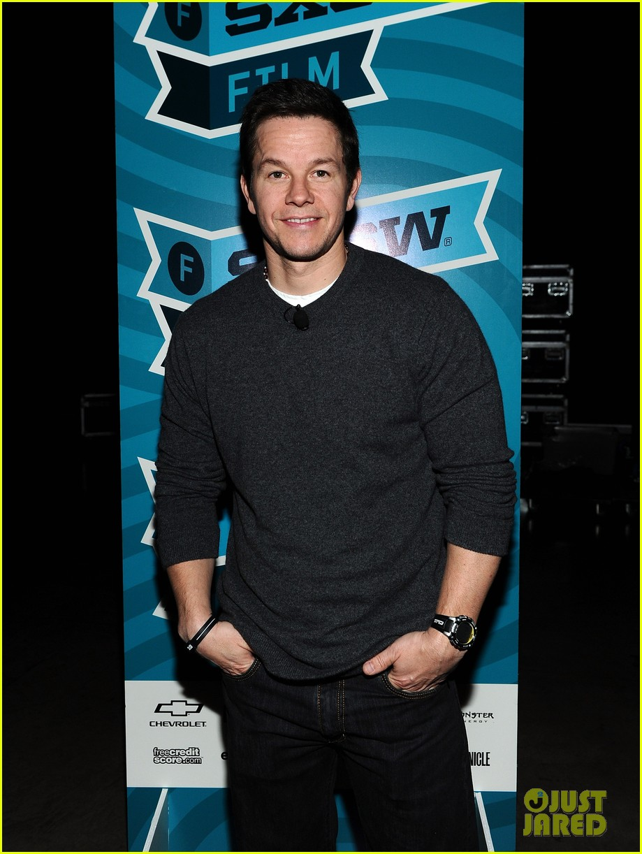 mark wahlberg a conversation with seth macfarlane 03