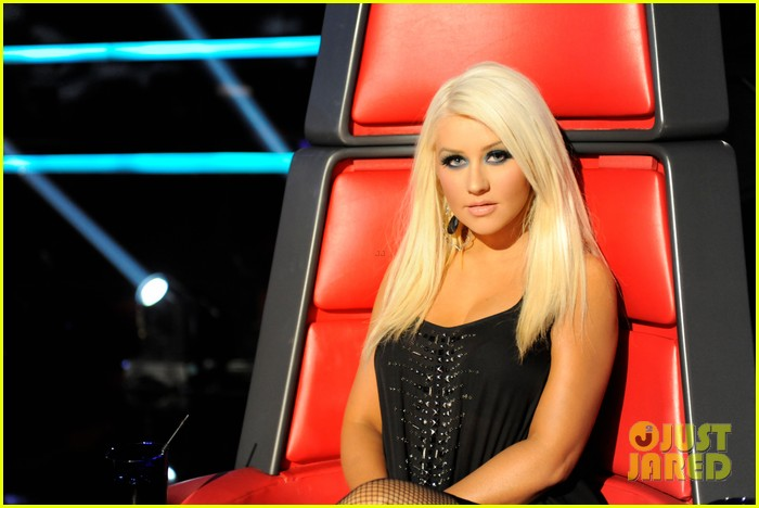 Full Sized Photo of christina aguilera fighter the voice ...