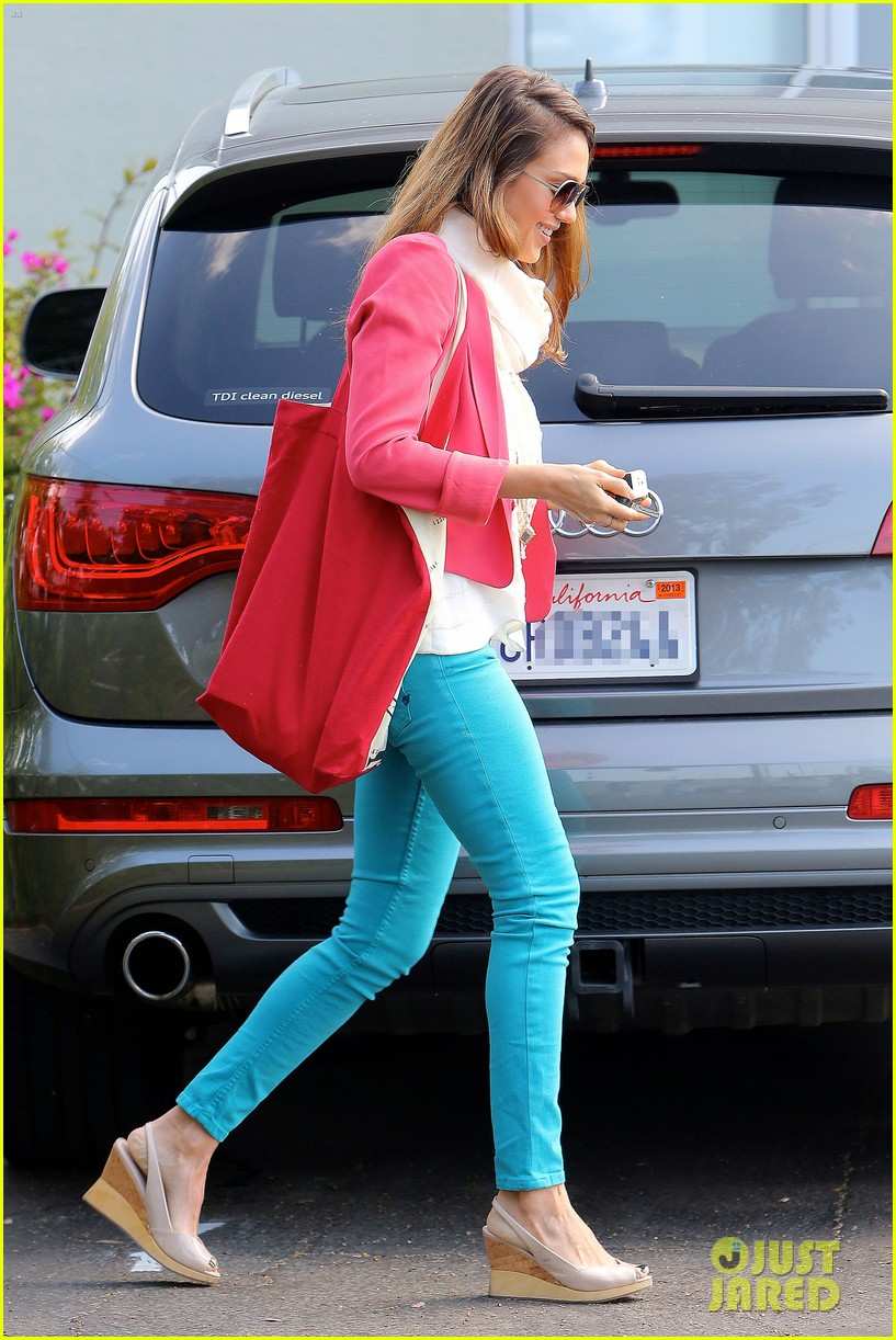 jessica alba pretty in pink 05