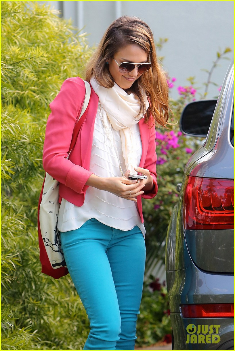 jessica alba pretty in pink 09