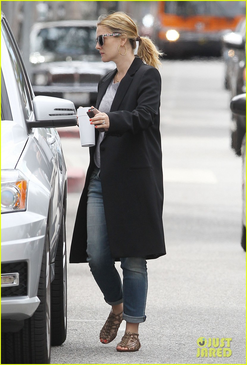 drew barrymore leaving office 03