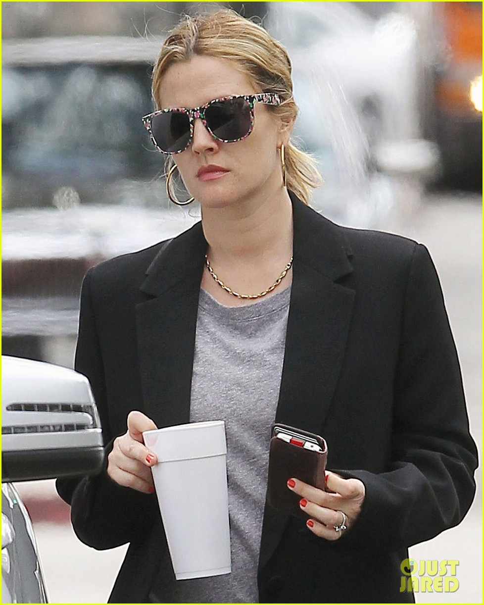 drew barrymore leaving office 07