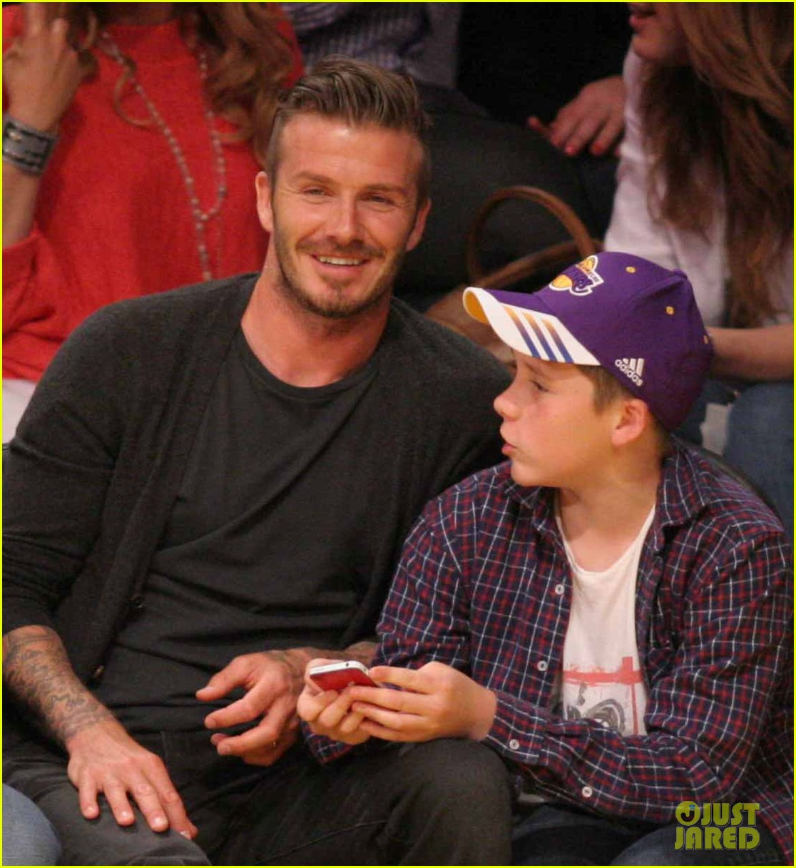 beckham son laker game 02
